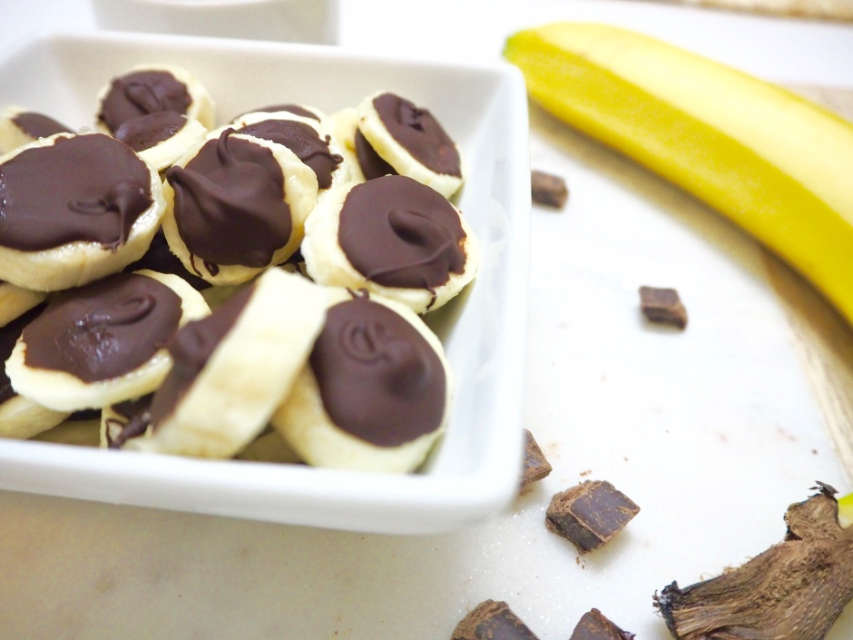 Frozen Dark Chocolate Banana Poppers