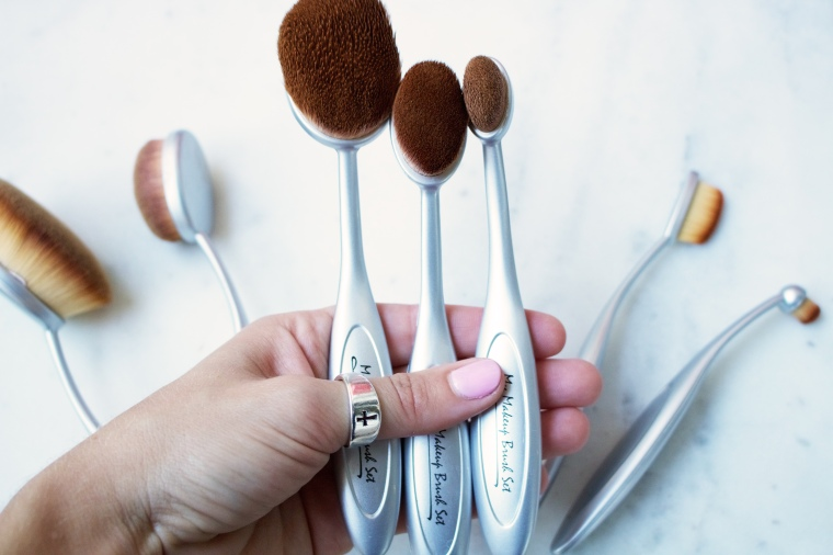 MyMakeUpBrush Oval Set