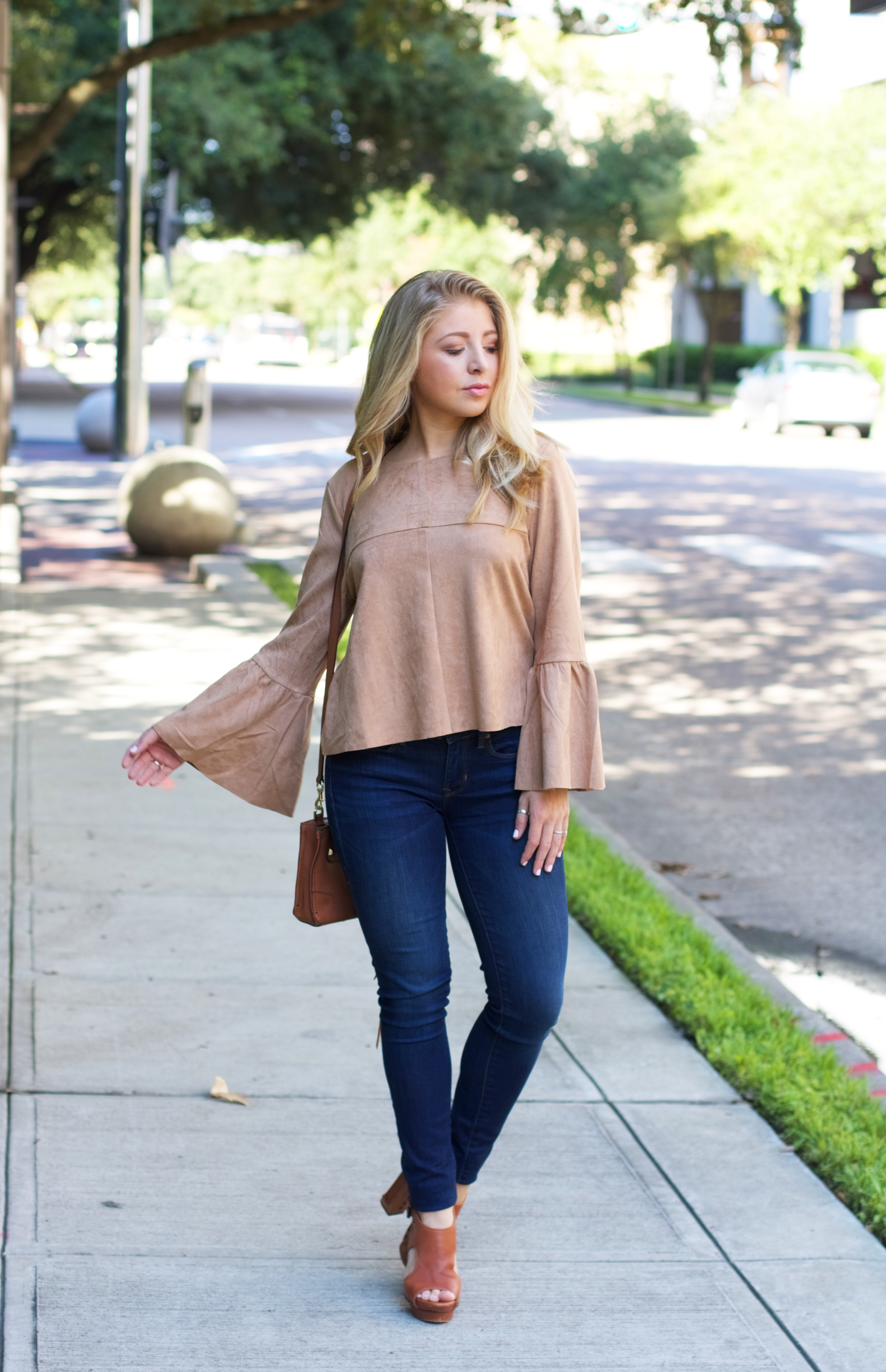 img_616Suede Bell Sleeve Top // Fall Trends // 2016 Fall Fashion