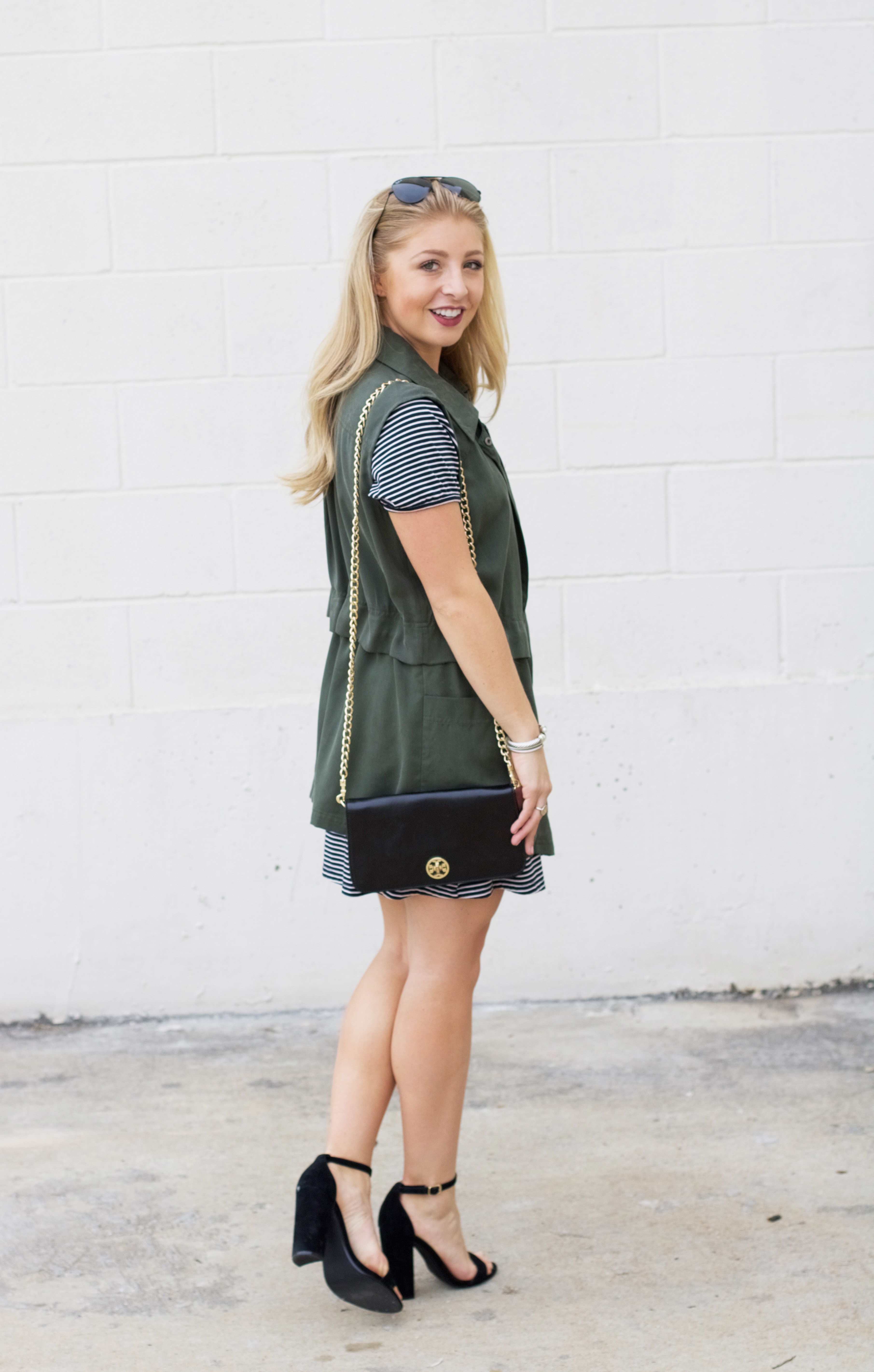 How To Wear A Utility Vest